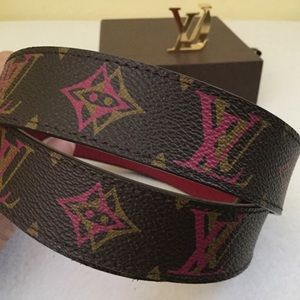 8b7b6dfeb105 Louis Vuitton Accessories - Rare LouisVuitton Initial Reversible Hipster  Belt